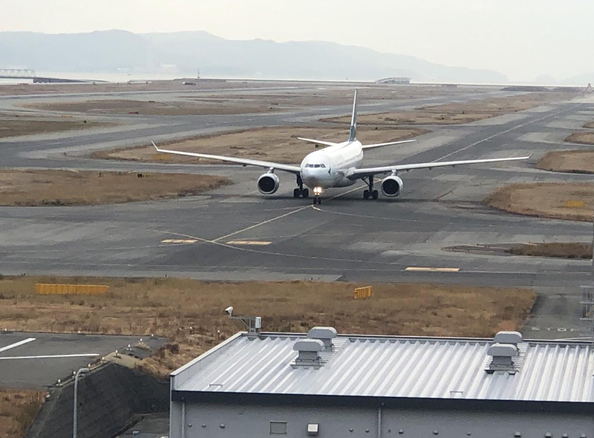 関空展望ホールから見た飛行機